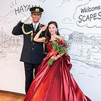 SCAPES THE SUITE(スケープス ザ スィート):職場の礼服&カラードレスへのお色直しシーンも大盛況。友人の手紙や新郎からの花束など感動の連続だった
