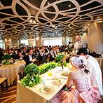 リビエラ青山:洗練されたお洒落な空間をふたりらしく飾り付け。シェフからの説明で、これから届く料理への期待が高まった
