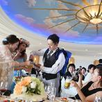 神戸ポートピアホテル:海と山を一望できる抜群のロケーションを眺めながら、美食に舌鼓。ふたりからビール&おつまみサーブも