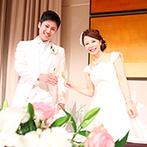 神戸ポートピアホテル:大人かわいく彩った上質な空間で笑顔あふれるパーティ。事前にコース料理を選んでもらい、ゲストの満足度UP