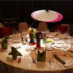 ANAクラウンプラザホテル神戸:温かな挙式から一転、BGMや照明の変化で華やかな披露宴に!「和」をテーマに各テーブルをコーディネート