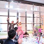 アートグレイス・ポートサイドヴィラ:ふたりと同じキラキラの笑顔で、結婚式を盛りあげてくれたスタッフたち。プロの目線で親身に支えてもらえた