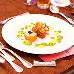 ANAクラウンプラザホテル福岡:ホテルメイドの美食や大迫力のスクリーン演出で特別感満載。ゲストの五感に響き、記憶に残る結婚式が実現!