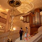 ザ・ロイヤルクラシック姫路:パーティのフィナーレは大階段を降りてブーケセレモニー。細やかなアドバイスや丁寧なサービスにも感謝