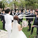 The ORANGER GARDEN ISUZUGAWA (ザ・オランジェガーデン五十鈴川):憧れの挙式シーンをそのまま形にしたような人前式。ガーデンでは賑やかなアフターセレモニーを楽しんだ