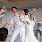 RITZ5(リッツファイブ):肩の力を抜いて楽しめる大人のナチュラルな空間。新婦のサプライズで新郎と一緒にダンスをする一幕も
