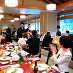 KKRホテル金沢:艶やかで大人っぽい黒の引き振袖で再入場。ゲストからの温かな拍手や、可愛い子ども達との交流も嬉しかった