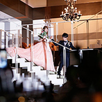 Mia Via:オリジナリティあふれるコーディネートも貸切パーティの醍醐味。憧れの階段入場でプリンセス気分も満喫