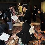 ウェスティン都ホテル京都:和装での入場は、琴と尺八の美しい音色とともに。BGMはスタッフがふたりのこだわりを形にしてくれた