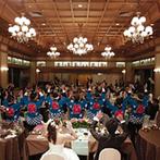 ウェスティン都ホテル京都:鏡開きや祭法被での余興など、和の空間を活かした演出が豊富。料理は互いの出身地にちなんだオリジナルに