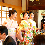 FUNATSURU KYOTO (国登録有形文化財):目指したのは「家族」を感じられる披露宴。随所にゲストと交流するシーンを設けて、感謝の気持ちを伝えた