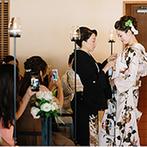 FUNATSURU KYOTO (国登録有形文化財):伝統とモダンが融合した引振袖に、母からの「扇の儀」…ブライダル関係者も感嘆の声をあげる、和婚の人前式