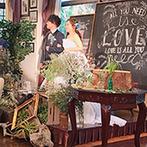 Wedding World ARCADIA SAGA(ウェディングワールド・アルカディア佐賀):緑や太陽、水など自然を感じる貸切邸宅をナチュラルにアレンジ。フォトジェニックなソファ席が大人気だった