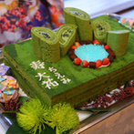 GARDEN RESTAURANT TOKUGAWAEN(ガーデンレストラン徳川園):自然の魅力あふれる庭園を望みながら味わう極上のフレンチ。庭園をイメージした抹茶ケーキに刀で入刀