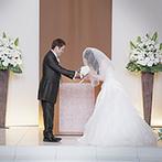 リアン トゥール:プロポーズや誓いの言葉が心に響いた人前式。知人の牧師や子どもたちの協力で、温かみのあるセレモニーに