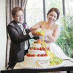 リアン トゥール:夏婚らしいカラーのケーキ演出が注目の的に。中座中は、カラフルなスイーツビュッフェにわくわく!