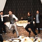 赤坂 アプローズスクエア迎賓館:ふたりの出会いのきっかけでもあるダンスを新郎が披露!こだわりのムービー上映で、ゲストからは喜びの声が
