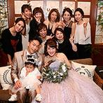 クオーリ クオーリ:ゲストと気軽にふれあえる、ソファスタイルのメイン席。大好きな韓国アーティストの映像や音楽でも魅了した
