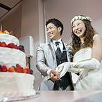 ガーデンテラス長崎 ホテル&リゾート:純白のスタイリッシュなバンケットをキュートな雰囲気に。厳選したメニューを追加した料理はボリューム満点