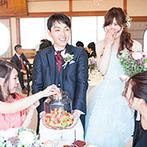 KAWACHIYA:フルーツポンチ作りをかねた各卓ラウンドで、全員とふれあいを満喫。友人たちからムービーやダンスの余興も
