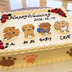 ブライダルヴィレッジ ティンカーベル:ゲストが参加する祝杯でスタートしたパーティ。ふたりらしいコーディネートや生ケーキでゲストを楽しませた