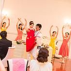 St. GRAVISS(セントグラビス):中座の間の余興として、教室の生徒たちがバレエを披露。ふたりもサプライズで登場し、盛大な拍手と歓声が!