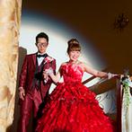 Arden Bliss(アーデンブリス):真っ赤なドレスで階段から優雅に入場!プロジェクションマッピングを始め、キャンドルや花火演出も楽しんだ