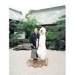 大阪天満宮:幼い頃から慣れ親しんだ由緒ある神社で式を挙げたい!みずみずしい中庭や開放感溢れるロビーも決め手に