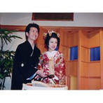 大阪天満宮:「艶やかできれい」と友人にも大好評!「和の結婚式もいいでしょうと、少し得意気になりました(笑)」