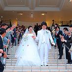 """ララシャンス 迎賓館:結婚式はナナイロの日!ふたりらしさとテーマの""""レインボー""""が映える、白を基調とした会場をセレクト"""