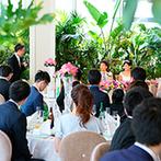 THE CLASSICA BAY RESORT (ザ クラシカ ベイリゾート):横浜港を望むオーシャンビューの会場で穏やかなパーティ。美しい景色とともに、ゲストとの時間を満喫した