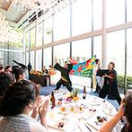 HIROSHIMA MONOLITH(広島モノリス):会場設備のおかげで、お気に入りの衣裳をより華やかに披露できた。余興のソーラン節で会場は大盛り上がり!