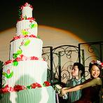 アートホテル弘前シティ:ふたりの等身大パネルや武者絵が描かれた山車がゲストをお出迎え。新郎が手掛けた特大ケーキも登場!