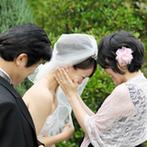 Rapport(ラポール):170坪のガーデンで家族の絆を感じるセレモニー。新婦の人生を表す入場で、会場は温かい雰囲気に包まれた