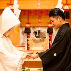 THE SAIHOKUKAN HOTEL(長野ホテル 犀北館):誰もが緊張感に包まれた、格式高い神前式。心引き締まる神聖な儀式は、忘れられない幸せの瞬間に