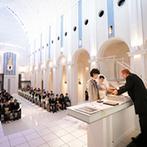 ノートルダム盛岡 Notre Dame MORIOKA:開放感のある大聖堂とパーティ会場に心を奪われた。親しみやすいスタッフの人柄に魅了され、この会場に決定