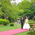 五十嵐邸ガーデン(THE GARDEN HOUSE IKARASHI):歴史を感じる和の建物や料亭などの雰囲気が好きな新婦が決めたポイントは、2500坪もある日本庭園とスタッフ
