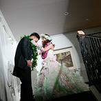 ブライダルタウン コリーナ:様々な入場シーンでゲストの目を釘付けに。新郎から新婦へのサプライズプロポーズも盛り上がった