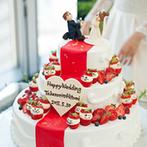 HARMONIE EMBRASSEE WEDDING HOTEL(アルモニーアンブラッセウエディングホテル):披露宴会場から見える景色もゲストのおもてなしに。ケーキや、野菜&デザートビュッフェなど美食が喜ばれた