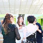 VILLA ESTERIO(ヴィラ エステリオ):澄んだ秋空が広がるガーデンでのパーティでゲストをおもてなし。新郎の愛車での退場シーンは最高にクール!