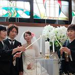 岡山プラザホテル:両家の結びつきや、ゲストとの絆を感じる人前式。プランナーや司会者の提案で、世界に一つの誓いが叶った