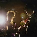 Perte Valore Rinato(ペルテ ヴァローレ リナート):ゲストから花を受け取ってブーケを作り、新婦に愛のプロポーズ。星空が浮かぶ空間での儀式にゲストもため息