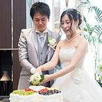 ラグナヴェール TOKYO:ロマンチックなシャンデリアが輝くパーティ会場での披露宴。和の要素を融合したおもてなし料理に舌鼓