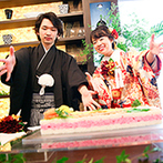 ラグナヴェール TOKYO:最上階ならではの眺望が広がる空間でプライベートパーティ。彩り豊かな「ちらし寿司ケーキ」で大盛りあがり