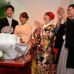 ミ・ピアーチェ:ダーツをモチーフにした世界に一つだけのオリジナルケーキ。入刀シーンでは姉夫婦へのサプライズも