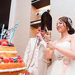 musee yotsuike (ミュゼ四ツ池):パーティ空間をふたりらしくナチュラルに飾り付け。ネイキッドケーキでのファーストバイトは注目の的!