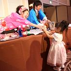 フルーツパーク富士屋ホテル:「夏」をテーマに涼し気な演出を取り入れたパーティ。夜空の下でのフィナーレでゲストも大盛り上がり!