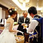 萃香園ホテル(スイコウエンホテル):ビール&おつまみサーブで賑やかにテーブルラウンド!ゲストの心が温まるアットホームなひと時を過ごした