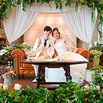 アリラガーデンリゾート:オアシスをテーマに、たっぷりの緑で飾られたパーティ空間。プールサイドで乾杯し、待ち時間ゼロの美食の宴