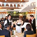 TO THE HERBS:ゲストとの触れ合いを満喫したテーブルラウンド&フォト。一人ひとりに感謝を伝えられ和やかなパーティに